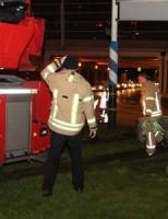 18 december Hoogwerker brandweer komt vast te zitten na uitwijk manoeuvre Holysingel Vlaardingen