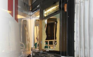 10 december Aanrijding tussen vrachtwagen en tram Rotterdam