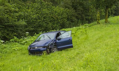 """<h2><a href=""""http://district8.net/27-juni-auto-van-de-weg-na-ongeval-a20-vlaardingen.html"""">27 juni Auto van de weg na ongeval A20 Vlaardingen<a href='http://district8.net/27-juni-auto-van-de-weg-na-ongeval-a20-vlaardingen.html#comments' class='comments-small'>(0)</a></a></h2>  Vlaardingen - Op de A20 in Vlaardingen heeft maandagmiddag een ongeval plaatsgevonden tussen twee auto's. Een van de auto's raakte daarna van de weg en kwam 100 meter verderop in"""