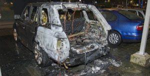 4 juni Auto uitgebrand, flat beschadigd Mozartlaan Schiedam