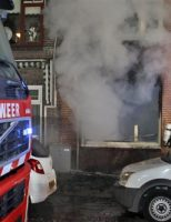 16 november Agent gewond na wekken bewoners bij middelbrand Van Schravendijkplein Vlaardingen