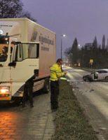 7 december Gewonde bij frontale aanrijding auto vs vrachtauto Marathonweg Vlaardingen