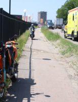 6 juni Motorrijder rijdt tegen hek aan Vlaardingen
