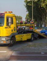 13 juli Vrachtwagen botst op auto Westfrankelandsedijk Schiedam