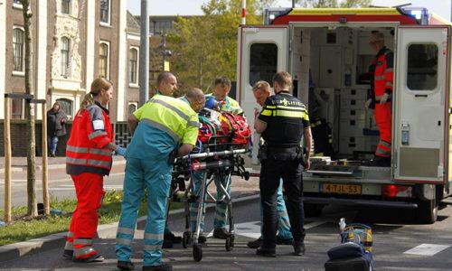"""<h2><a href=""""http://district8.net/4-mei-man-zwaargewond-na-eenzijdig-ongeval-schiedam.html"""">4 mei Man zwaargewond na eenzijdig ongeval Schiedam<a href='http://district8.net/4-mei-man-zwaargewond-na-eenzijdig-ongeval-schiedam.html#comments' class='comments-small'>(0)</a></a></h2>  Schiedam - Woensdagmiddag is een man zwaargewond geraakt na een eenzijdig ongeval op de s Gravelandseweg in Schiedam. De man werd onwel en kwam ten val met zijn scooter. Het"""