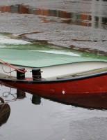Boot deels gezonken Nieuwe haven