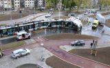 25 april  Vrachtwagen gekanteld en tram ontspoord na aanrijding Rotterdamsedijk Schiedam