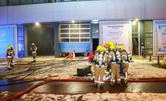 13 december Grote brand in waterpijp groothandel Vlaardingweg Rotterdam