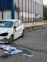 26 juli Auto botst tegen gebouw Fortunaweg Schiedam
