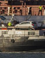 16 februari Dode en gewonden bij lossen containerschip Maasvlakte