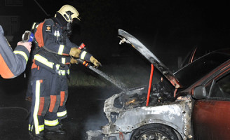 3 november Flinke autobrand Hazerswoude dorp