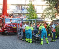 18 juli Grote kraan ingezet voor afhijsing Hoorneslaan Katwijk