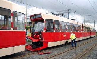 36 gewonden bij aanrijding tussen trams Parallelweg